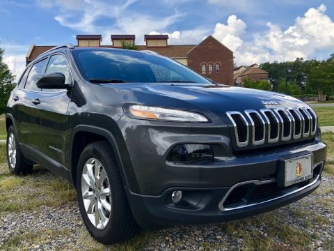 Pre-Owned 2017 JEEP CHEROKEE LIMITED NAV PANO BLIND SPOT