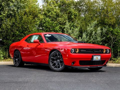 Pre-Owned 2018 DODGE CHALLENGER R/T PLUS SHAKER